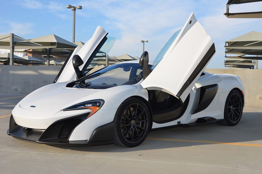 Beautiful and tastefully spec\'d White 675LT Coupe for sale (Lots of ...